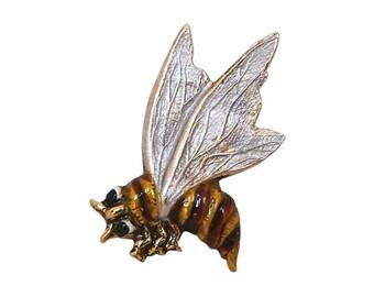 Wasp 15/16 inch ( 24 mm ) Susan Clarke Metal Button