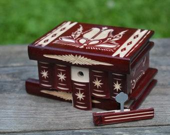 Jewelry holder, Girls jewelry box for women, Keepsake box, Jewelry box wood, Small wooden box, Puzzle box, Trinket box, Secret compartment