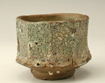 japanese tea bowl with lichen pattern, handmade yunomi, chawan with aged look, yunomi, teabowl, antique cup, ceramic cup, stoneware, Shikha