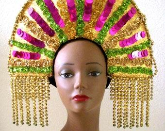 Vintage Mardi Gras casque - casque grand Costume perlé or w pièce de tête de Paillettes - chapeau franges de perles métalliques or - Mardi Gras