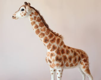 Needle felted Giraffe. Needle felted Animal. Needle felted soft sculpture. Safari animals.