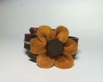 Felt flower leather bracelet