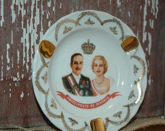 Vintage ceramic /porcelain ashtray