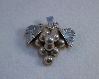 Vintage Taxco Mexico Sterling Grape Cluster Brooch/Pendant