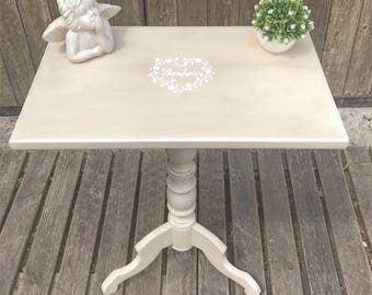 Pedestal table, table revisited and skated in the old linen color