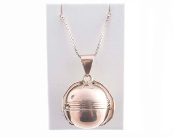 Sterling Taxco Fold Out Locket