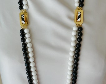 Long necklace sautoir Lanvin vintage 2 rows of pearls black and white Golden brass
