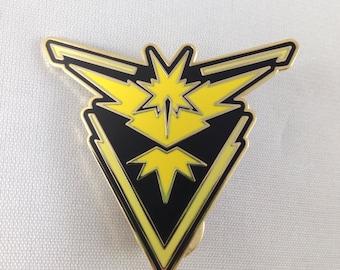 Pokemon Team Instinct Metal Pin GO In Black