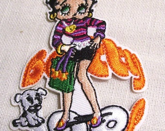 GIRL pin up BETTY dog - Patch embroidered patch Thermo * 7 X 9 cm *.