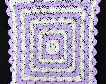 Crocheted baby blanket - Purple and White meringue
