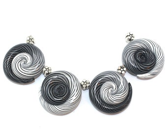 Black and white Ombre beads, handmade jewelry polyme clay beads swirls, set of 4