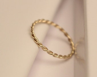 10k twisted ring, 10k wedding ring, 10k wedding band, 10k band ring, 10k stack ring, 10k thumb ring, 10k knuckle ring, 10k midi ring