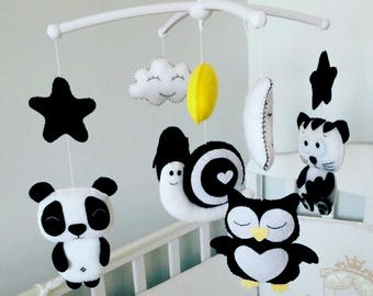 Black and white baby mobile Baby mobile  Felt mobile Crib black white felt mobile Childrens mobile Black mobile White mobile room baby decor