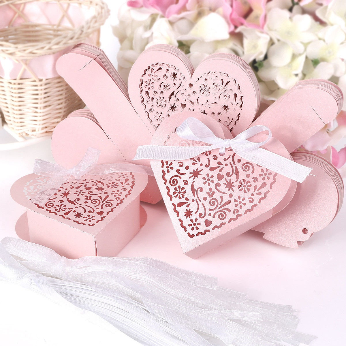 Wedding Favors Hollow Cut Heart Shape Cup Cake Gift Product