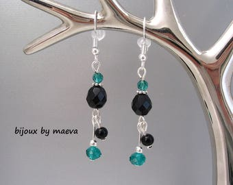 Earrings black and emerald green pearls