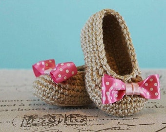 CROCHET PATTERN PDF - Crochet Baby Girl Booties with Bow - Instant Download