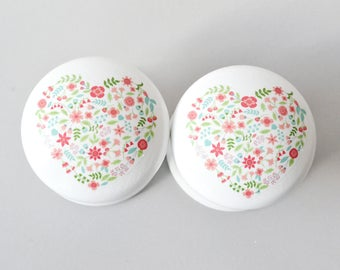 Floral Heart Drawer Knob, Heart Pull, Cabinet Knobs, Handles, Girls Room, Nursery Knobs, Nursery Decor, Wardrobe Knobs.