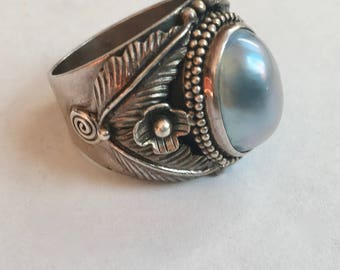 vintage sterling and mabe pearl ring, size 8.5