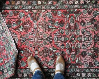Vintage Sarouk runner rug, floral Sarouk rug, Persian runner rug, pink rug, antique Sarouk rug, antique Persian rug CAS101
