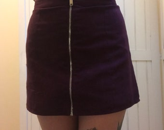 Thrifted Mini skirt with front zip size 6