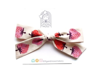 Strawberry Fields | hand-tied bows