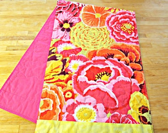 Quilted Table Runner, Modern Table Runner, Spring Table Runner, Kaffe Fassett fabric, Pink Table Runner, Floral Table Runner, Tropical decor