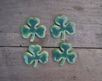 Shamrock brooch, clover pin, Ceramic clover brooch, ceramic brooch, St Patrick's Day, Shamrock pin Green Shamrock Irish Clover, patricks day