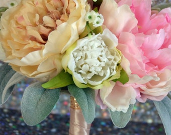 Bouquet with peonies in pink, champagne and white!