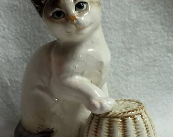 Posing Kitty with Paw on Basket (#124)