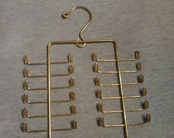 Vintage Jewelry Hanger. Jewlery Organizer. Jewelry Display. Vintage Jewelry Display. Necklace Display. Bracelet Display. Vintage Jewelry.