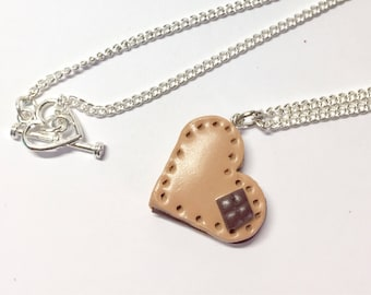 Heart cupcake necklace