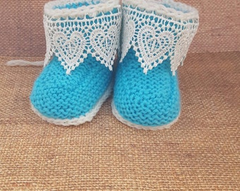 Turquoise baby booties , stay on, with ropes, with strings, stays on, ties, stay on booties, booties with ropes  take home outfit,