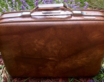 Like new! Vintage American Tourister Laptop/Business/Brief Case/Overnight/Carry On Case