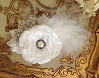 White Bridal Flower Hair piece.SALE.Headpiece.Hairpiece.Fascinator.Vintage Wedding.Hair Clip.Flower Hair Accessory.Bride.READY to SHIP.Sale