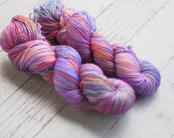 Mainstay Inn Purple Pink Gold Hand Dyed Yarn // Merino Nylon Sock Fingering Weight Yarn // Superwash Sock Skein