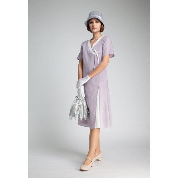 1920s Style Dresses, Flapper Dresses 1920s cotton dress in pale lilack and white Great Gatbsy day dress 1920s purple dress Jazz Age Lawn Party dress 1920s high tea dress $130.00 AT vintagedancer.com