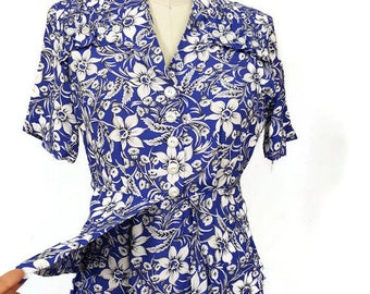 1940s Dress /  1940s Blue Floral Print Dress / Blue Rayon Peplum Dress with ruffle and button detail at the shoulder