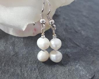 Sterling Silver Pearl Drop Earrings. Pearl earrings