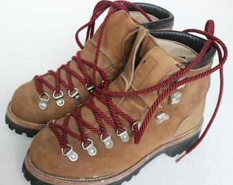Vintage Dexter randonnée bottes Tan Suede avec lacets rouges gaufre Stomper randonnée Camping semelle Vibram taille 7 1/2 M Made in USA