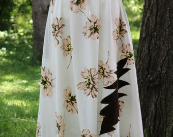 Flower skirt with pockets and lightning bolt