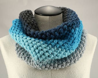 Gray and Blue Ombre Cowl, Crocheted Scarf, Puffy Winter Cowl, Textured Gray and Blue Cowl, Modern Crochet Cowl