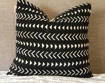 Mudcloth cushion cover, black mudcloth pillow, black and white mudcloth, African homewares, tribal decor, tribal cushion, global style, boho