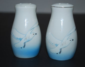 Vintage Salt and Pepper Shakers Seagull Salt and Pepper