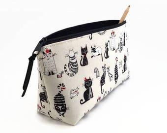 Cat pencil case, Pencil pouch, Desk accessory, Desk organisesr, Pencil zipper case, Cute pencil case,  Back to school supplies, Comic cats
