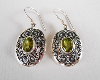 Unique Sterling Silver peridot dangle Earrings / 1.55 inch long / silver 925 / granulation art / Balinese handmade jewelry