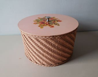 Vintage 1940s wicker sewing basket Pink woven sewing box