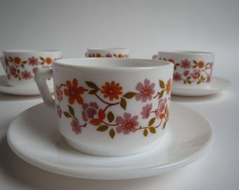 Arcopal Scania cups and saucers,  4 x retro vintage cups and saucers, Arcopal France glass cups and saucers, french cups and saucers, France