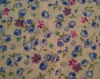 Cream color cotton fabric with small flowers