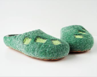 Felted wool backless slippers, house shoes, felt slippers, handmade wool slippers, men slippers, women slippers, grey green, felted gift