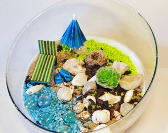 Plants centerpiece glass terrarium table decor homedecor shells stones wood sunbed beach umbrella seashore decor miniature garden seaside